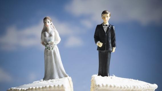 SEPARAZIONE O DIVORZIO: NO AL BOLLO PER IL LIBRETTO DI CIRCOLAZIONE